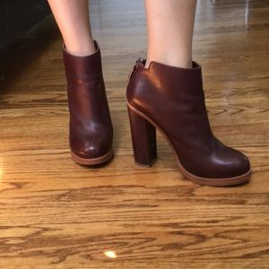 Dolce vita plum colored booties